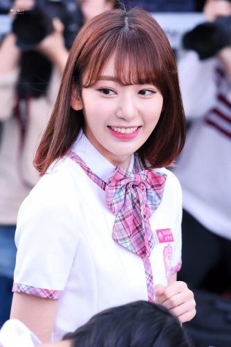 IZ*ONE宮脇咲良のイケメン化が韓国で絶賛される